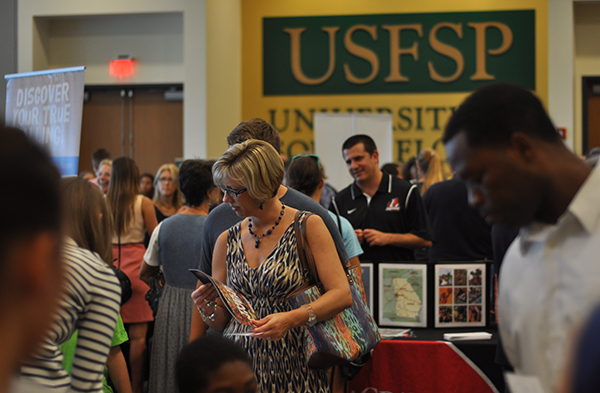 A photo of participants during the 2013 Pinellas County College Fair
